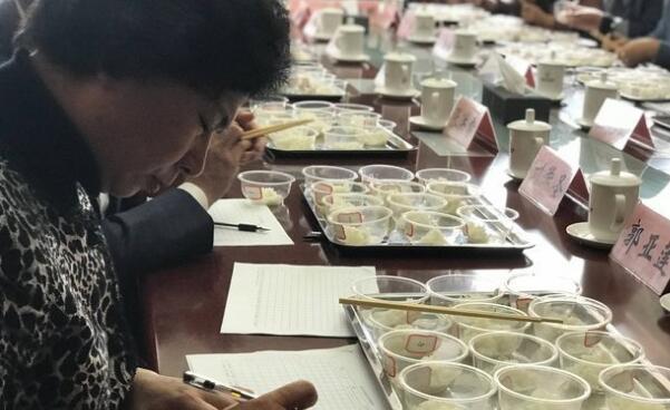 国内外12种大米接受专家食味品鉴  鱼台大米勇夺第二
