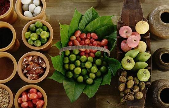 春节期间民众采买热络 泰国多部门严控食品安全