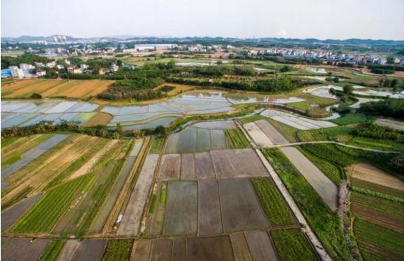 航拍广西柳州市柳北区沙塘镇耕地