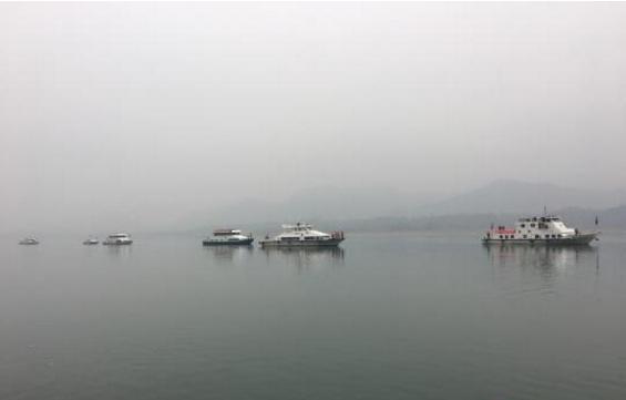 渔政执法船在长江巡航