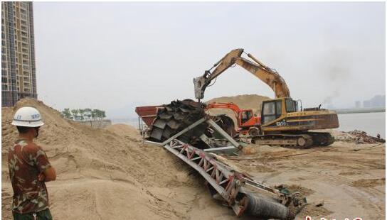 福建晋江开展专项行动 整治非法洗砂场