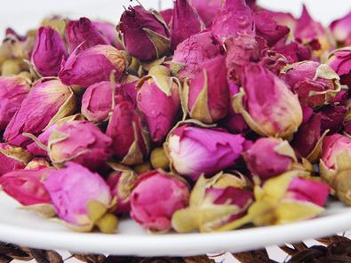 玫瑰花茶如何挑选 喝玫瑰花茶有什么副作用