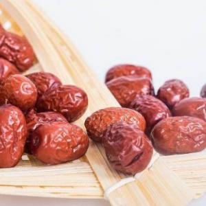 孕妇吃红枣的好处 怀孕期间过度吃枣会产生什么副作用?