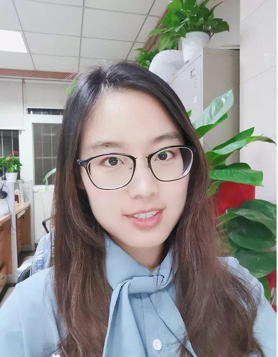 此女只应天上有!杭州95后女老师上课,让全班给她写征婚广告