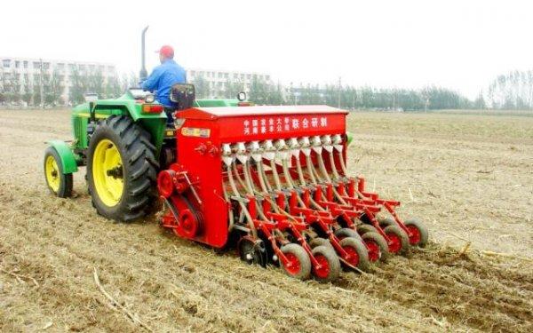 从畜拉人扛到智慧农机农业机械化经历了什么?